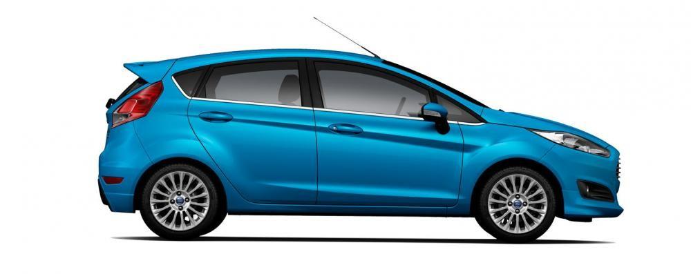 Mẫu Ford Fiesta màu xanh