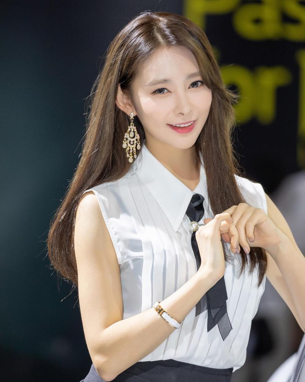 Ngất ngây với người mẫu Hàn Quốc đẹp như tiên tại triển lãm ô tô Busan 2018 - 8
