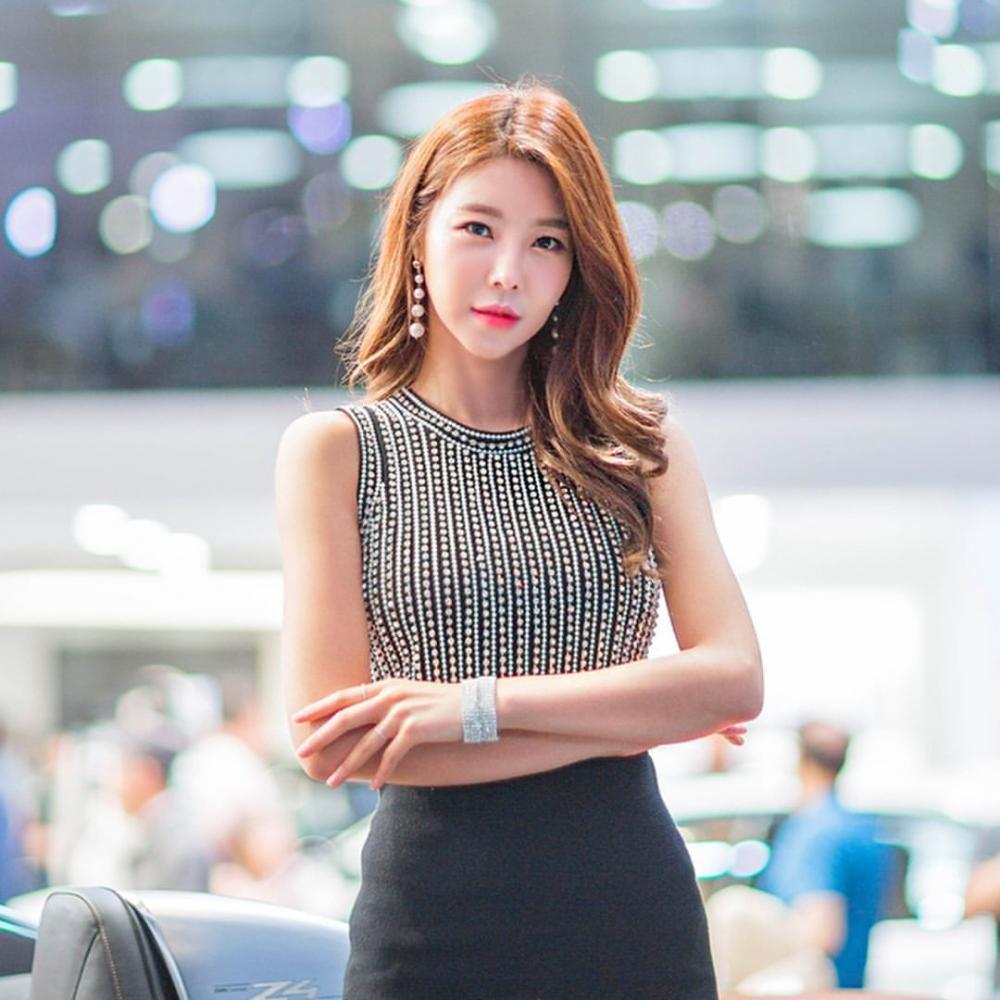 Ngất ngây với người mẫu Hàn Quốc đẹp như tiên tại triển lãm ô tô Busan 2018 - 11