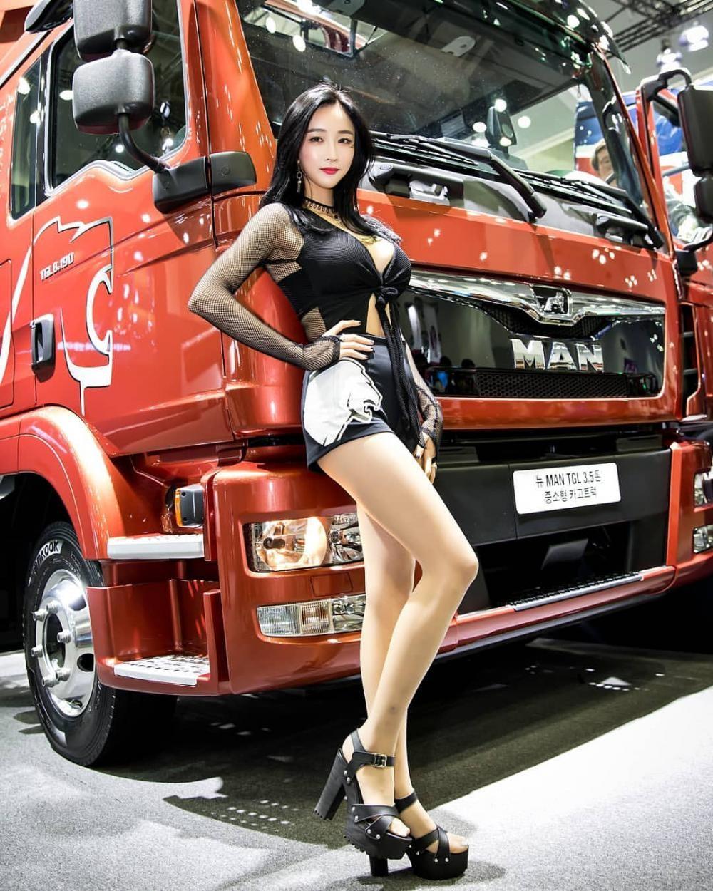 Ngất ngây với người mẫu Hàn Quốc đẹp như tiên tại triển lãm ô tô Busan 2018 - 20