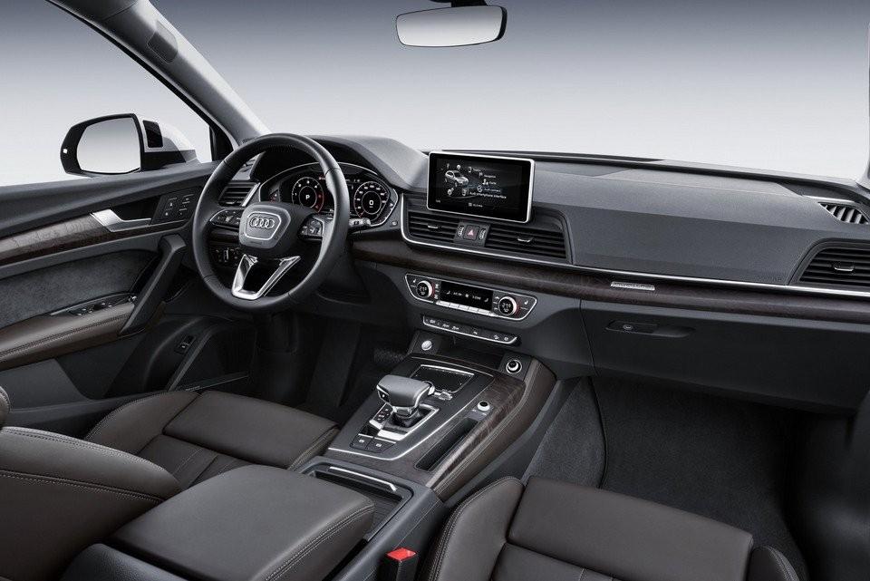 Nội thất Audi Q5 sở hữu những đường nét thủ công khéo léo