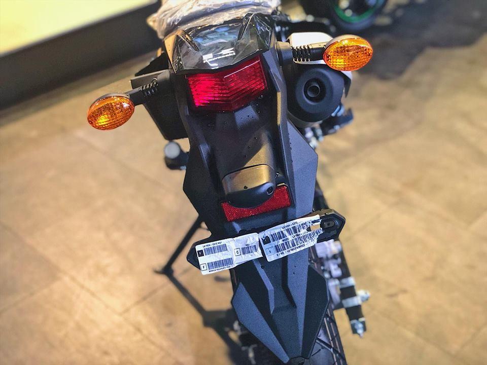 Đuôi xe Kawasaki D-Tracker 150 2018