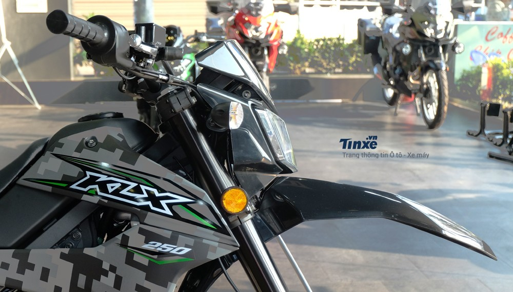 Đầu đèn Kawasaki KLX 250 2018