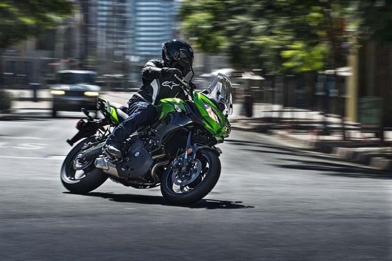 Kawasaki Versys 1000 sở hữu nhiều trang bị cao cấp