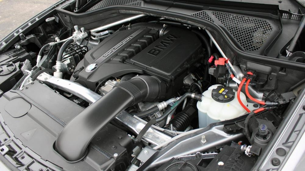Động cơ xe BMW X6