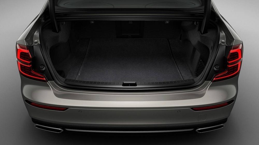 Khoang hành lý của mẫu sedan cỡ C đến từ Thụy Điển