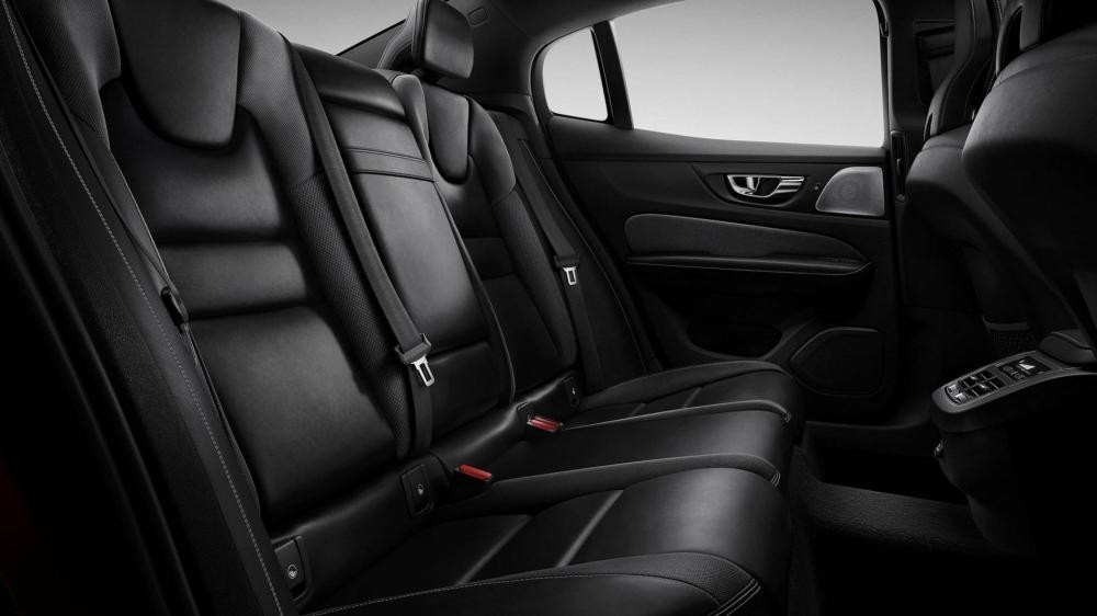 Hàng ghế sau của Volvo S60 2019