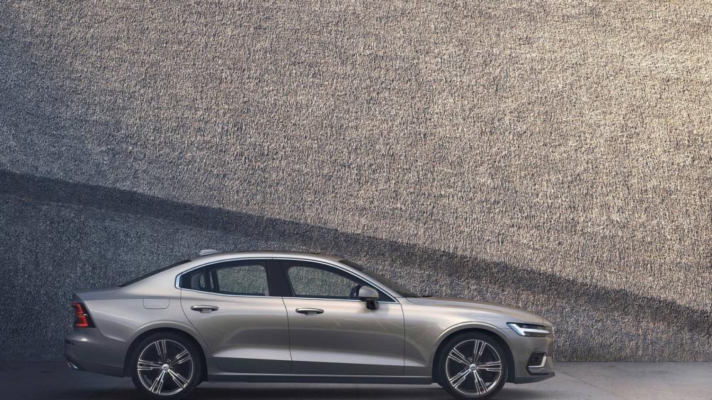 Thiết kế bên sườn của Volvo S60 2019