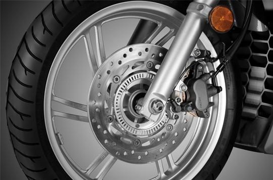 Trang bị bánh xe Honda SH 300i