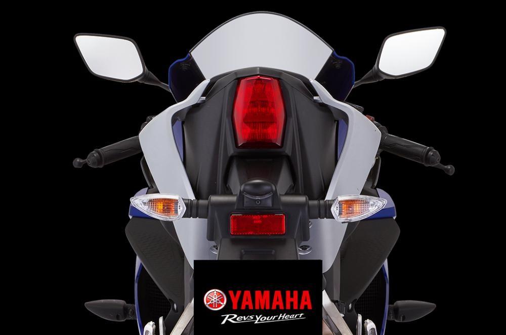 Thiết kế đuôi xe Yamaha R15