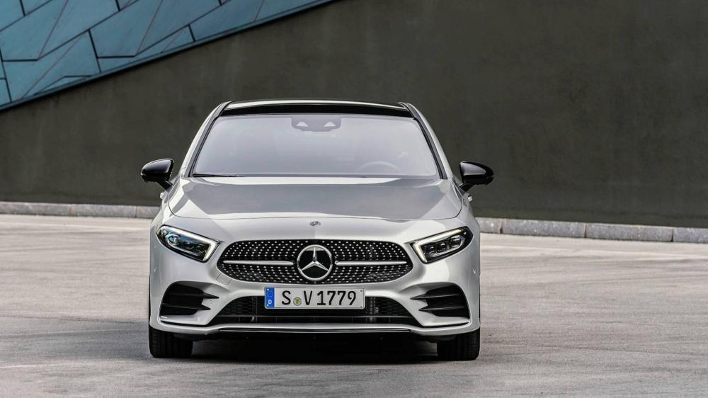 Cận cảnh thiết kế đầu xe của Mercedes-Benz A-Class Sedan 2019