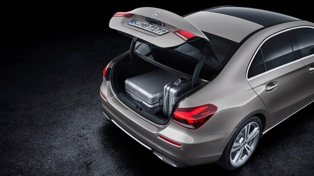 Khoang hành lý của Mercedes-Benz A-Class Sedan 2019