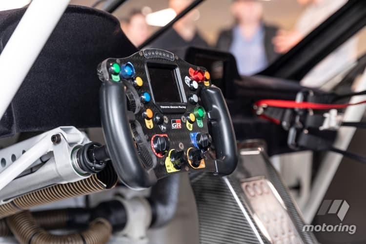 Vô lăng đậm chất xe đua của Toyota GT Supra Racing Concept