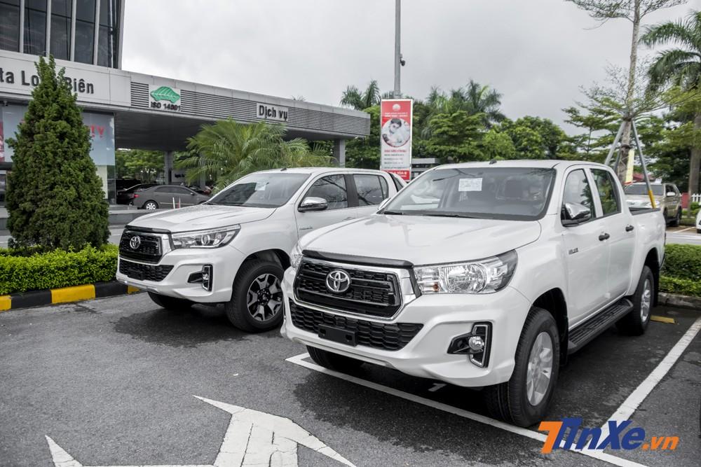 Với giá bán khởi điểm từ 695 triệu VNĐ, Toyota Hilux 2018 sẽ phải cạnh tranh gắt gao với những cái tên như Ford Ranger, Chevrolet Colorado, Mazda BT-50.