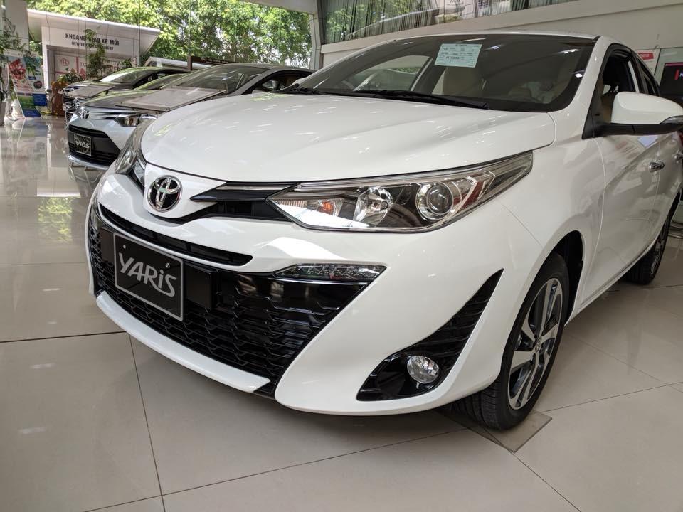 Toyota Yaris 2018 được trang bị đèn sương mù trước hình tròn