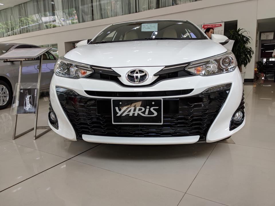 Cận cảnh thiết kế đầu xe của Toyota Yaris 2018