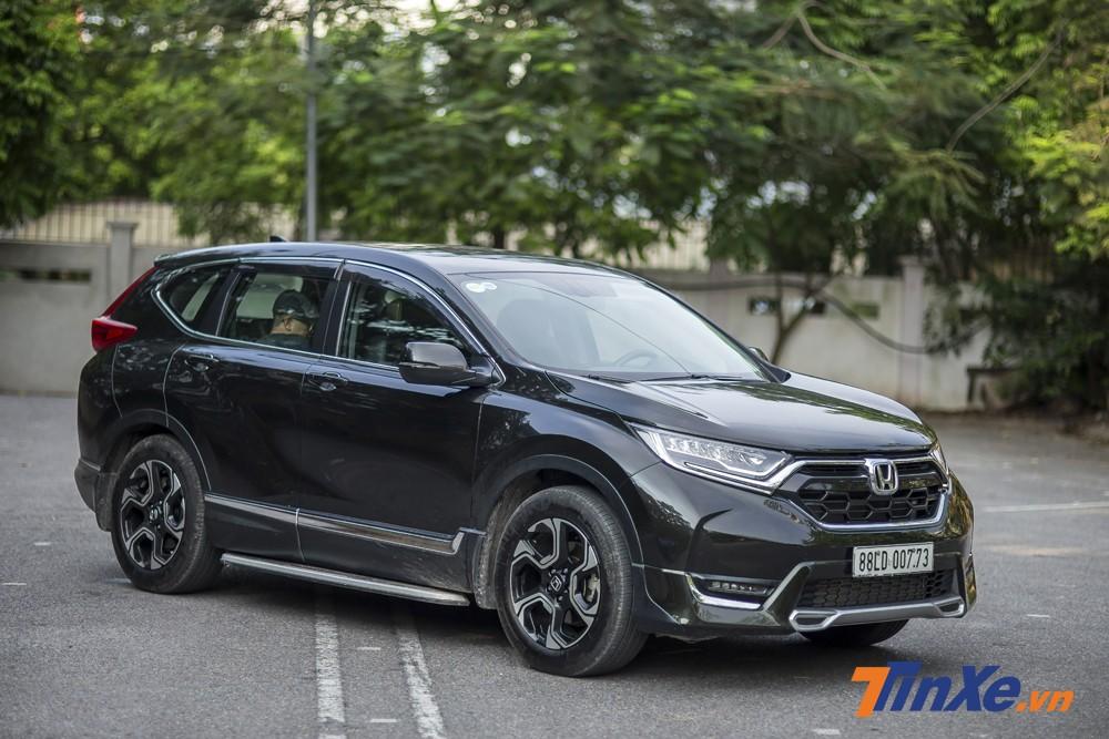 Honda CR-V Turbo 2018 mang lại cảm giác lái nhẹ nhàng trong phố, mạnh mẽ trên cao tốc.