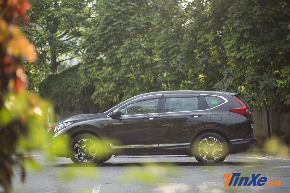 Với chiều dài trục cơ sở tăng thêm 40mm, Honda CR-V Turbo 2018 hứa hẹn mang lại không gian rộng rãi hơn.