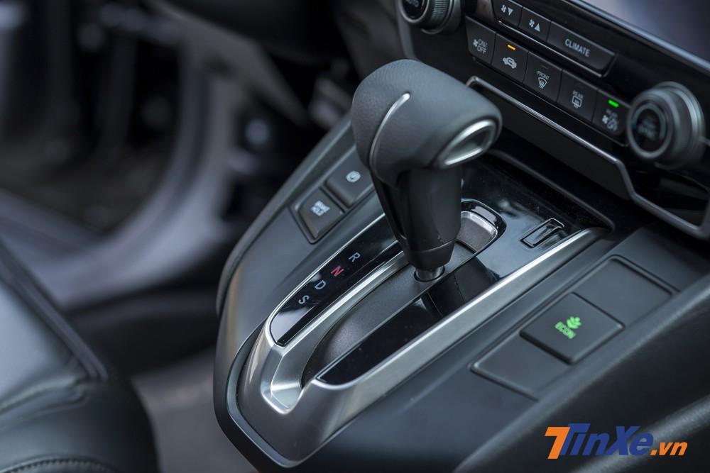 Hộp số vô cấp CVT là trang bị trên Honda CR-V Turbo 2018.