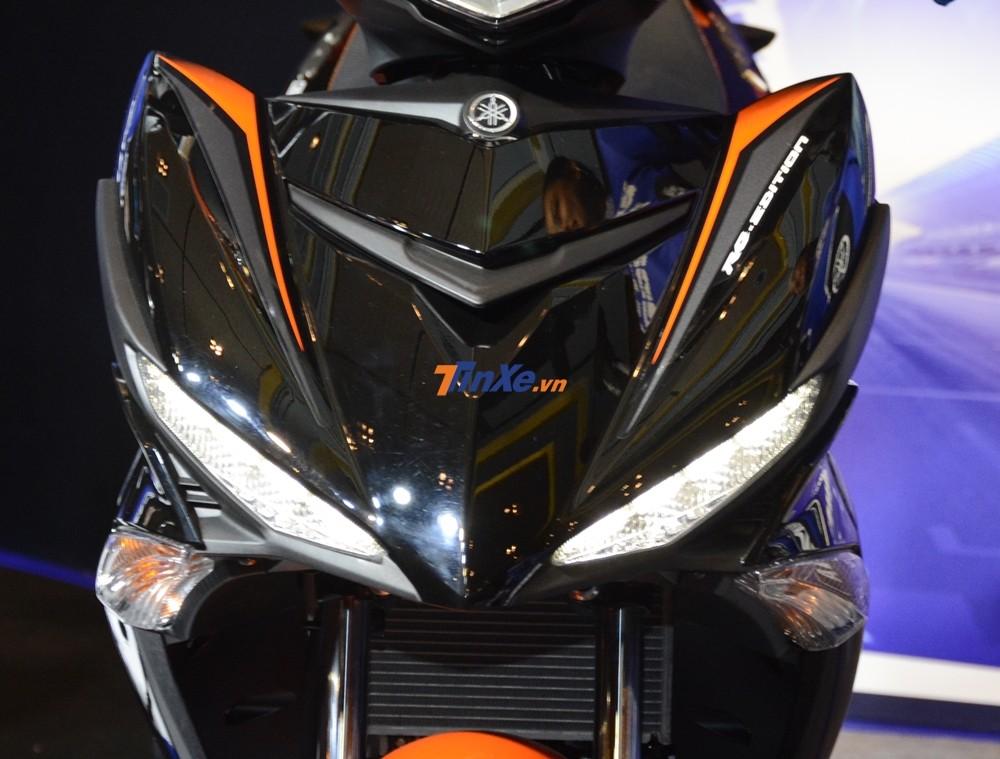 Mặt nạ Yamaha Exciter 150 2019 vẫn là của phiên bản cũ tích hợp thêm 2 đèn dải đèn LED chiếu sáng ban ngày