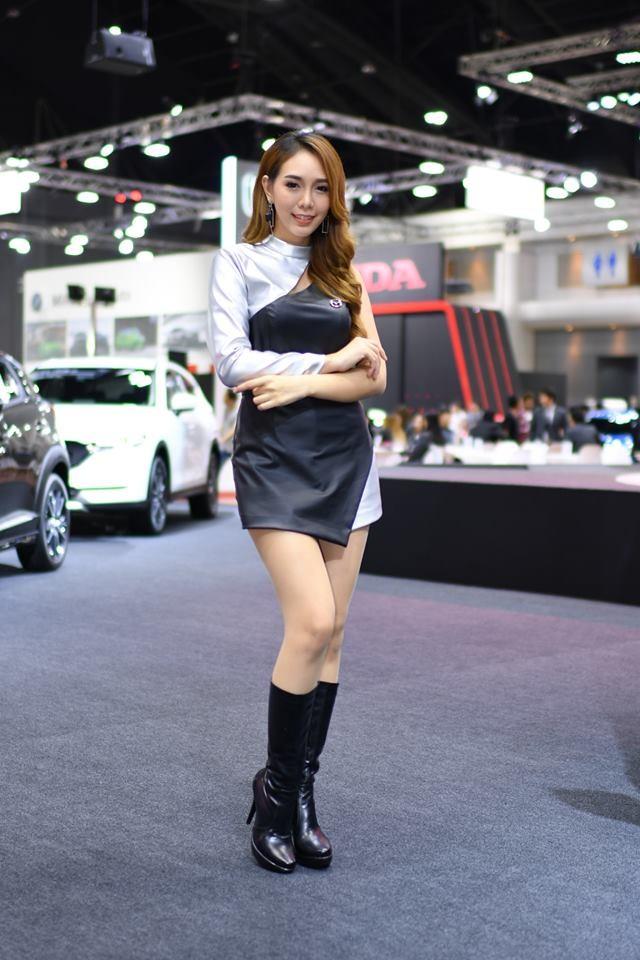 """Ngắm các """"bóng hồng"""" Thái Lan xinh tươi mơn mởn tại Bangkok Auto Salon 2018 - 10"""