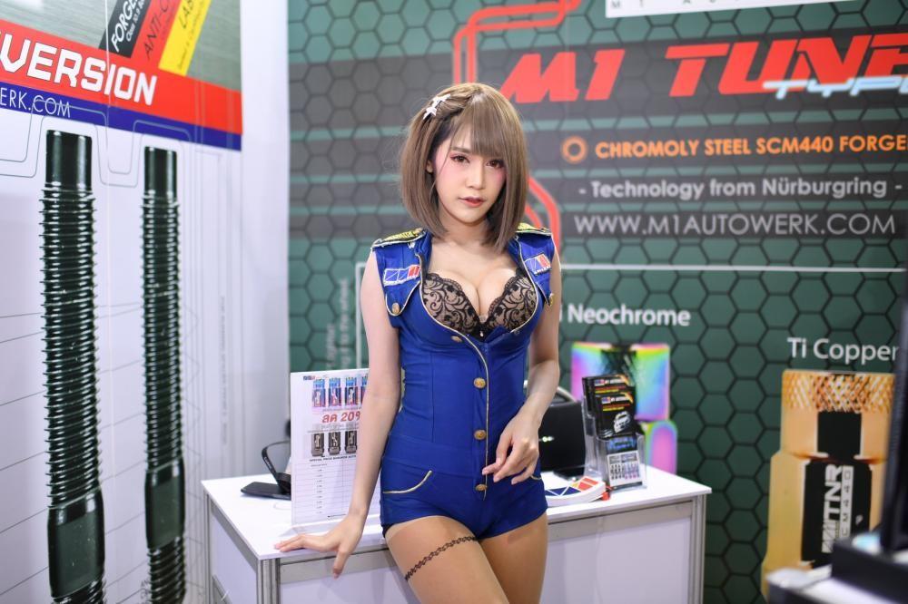"""Ngắm các """"bóng hồng"""" Thái Lan xinh tươi mơn mởn tại Bangkok Auto Salon 2018 - 24"""