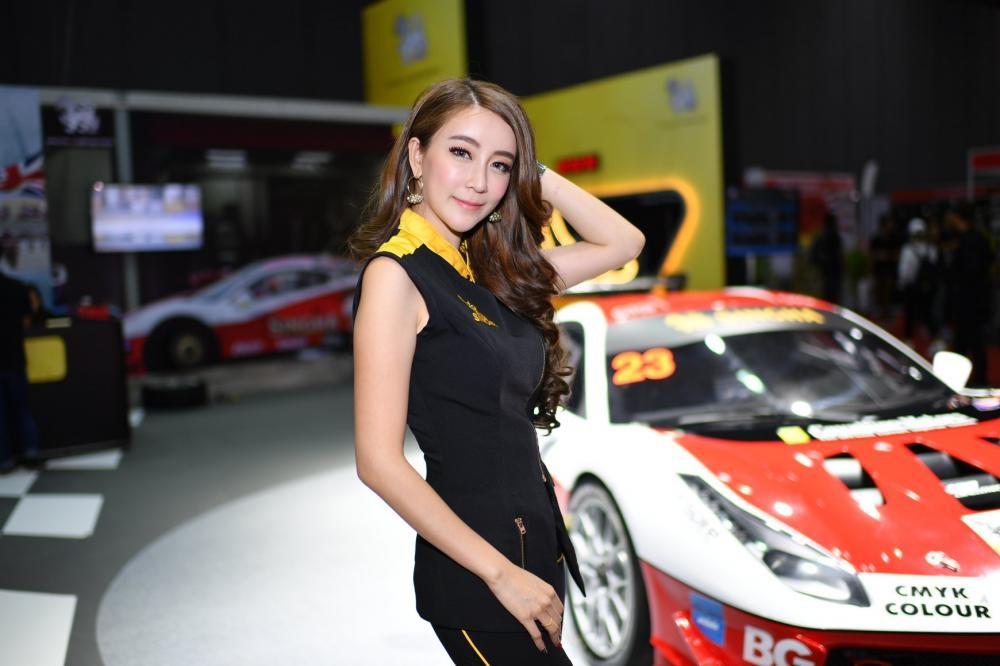 """Ngắm các """"bóng hồng"""" Thái Lan xinh tươi mơn mởn tại Bangkok Auto Salon 2018 - 20"""