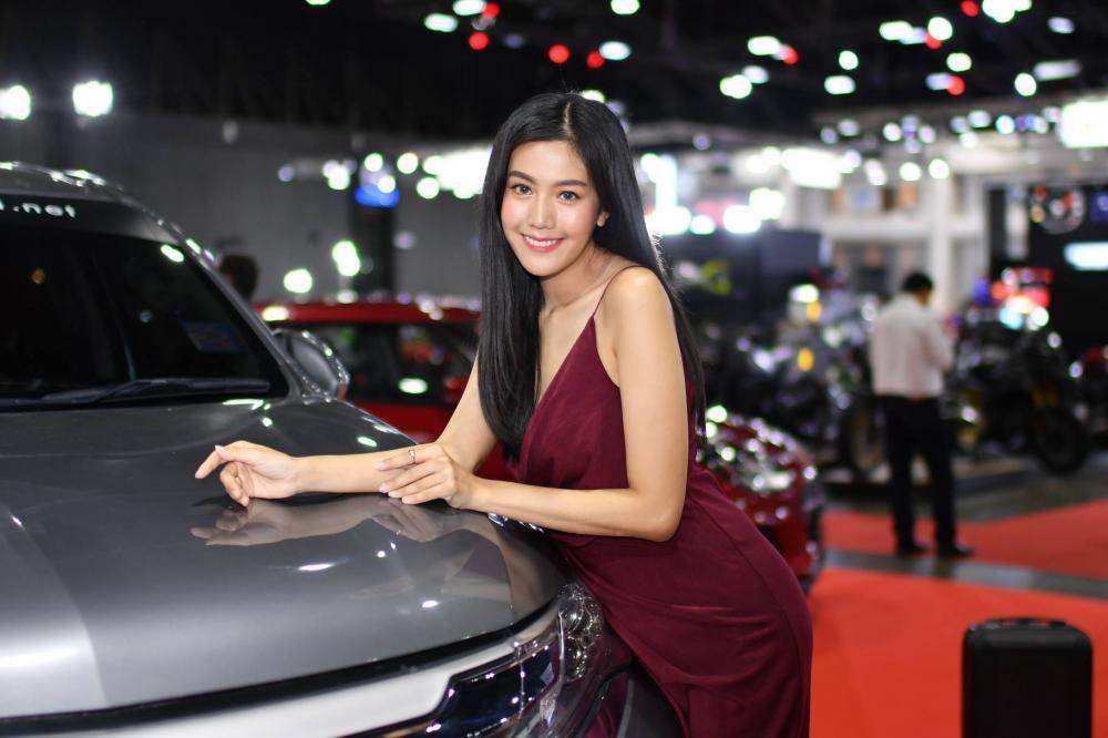 """Ngắm các """"bóng hồng"""" Thái Lan xinh tươi mơn mởn tại Bangkok Auto Salon 2018 - 14"""