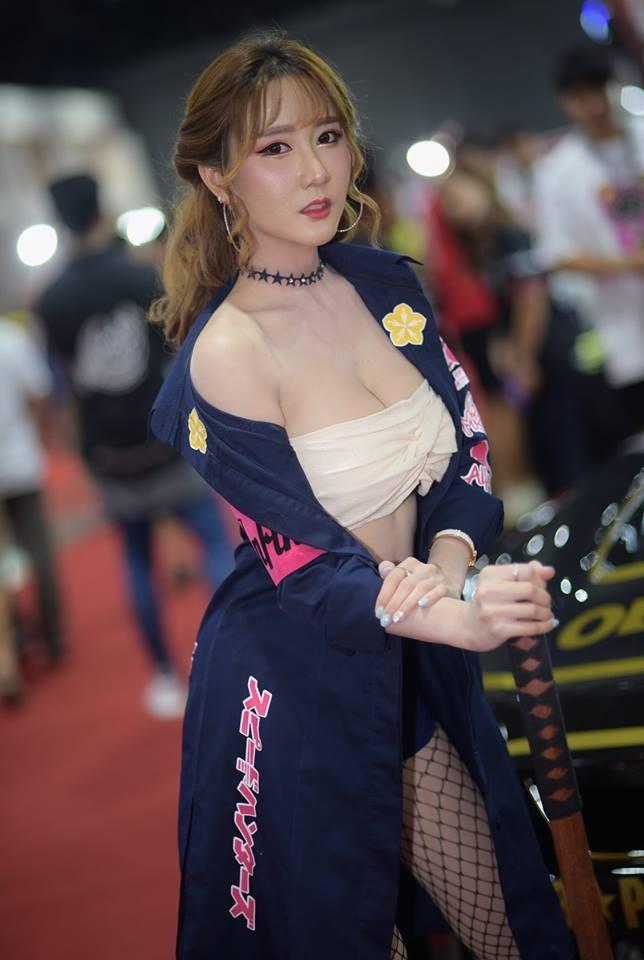"""Ngắm các """"bóng hồng"""" Thái Lan xinh tươi mơn mởn tại Bangkok Auto Salon 2018 - 4"""