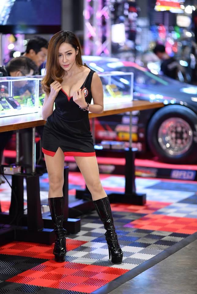 """Ngắm các """"bóng hồng"""" Thái Lan xinh tươi mơn mởn tại Bangkok Auto Salon 2018 - 11"""