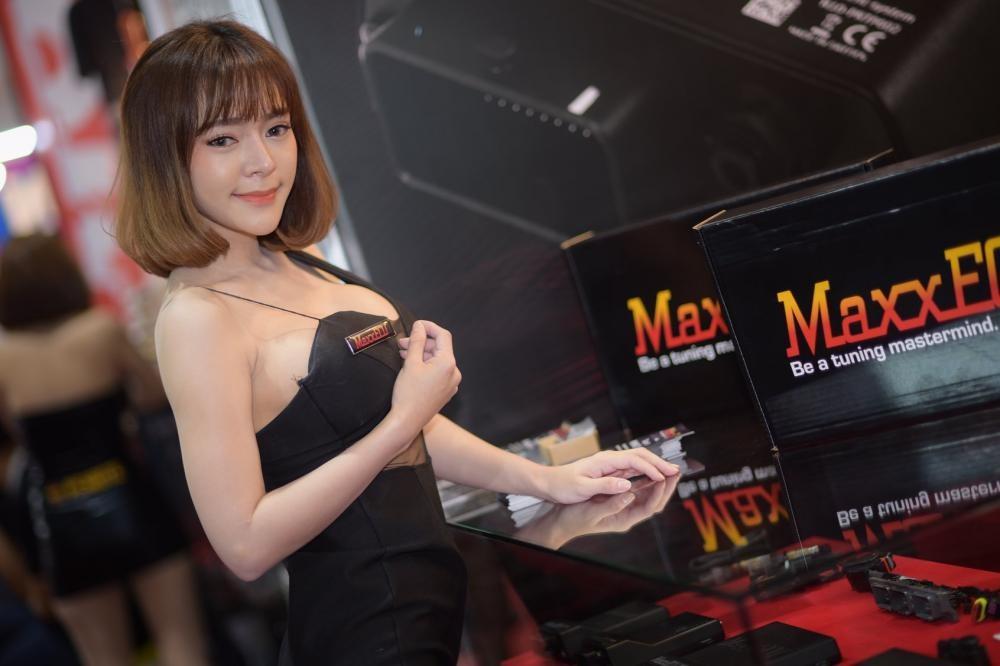 """Ngắm các """"bóng hồng"""" Thái Lan xinh tươi mơn mởn tại Bangkok Auto Salon 2018 - 21"""