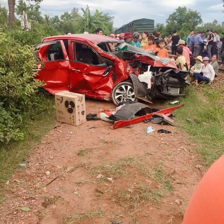 Chiếc Kia Morning tại hiện trường vụ tai nạn
