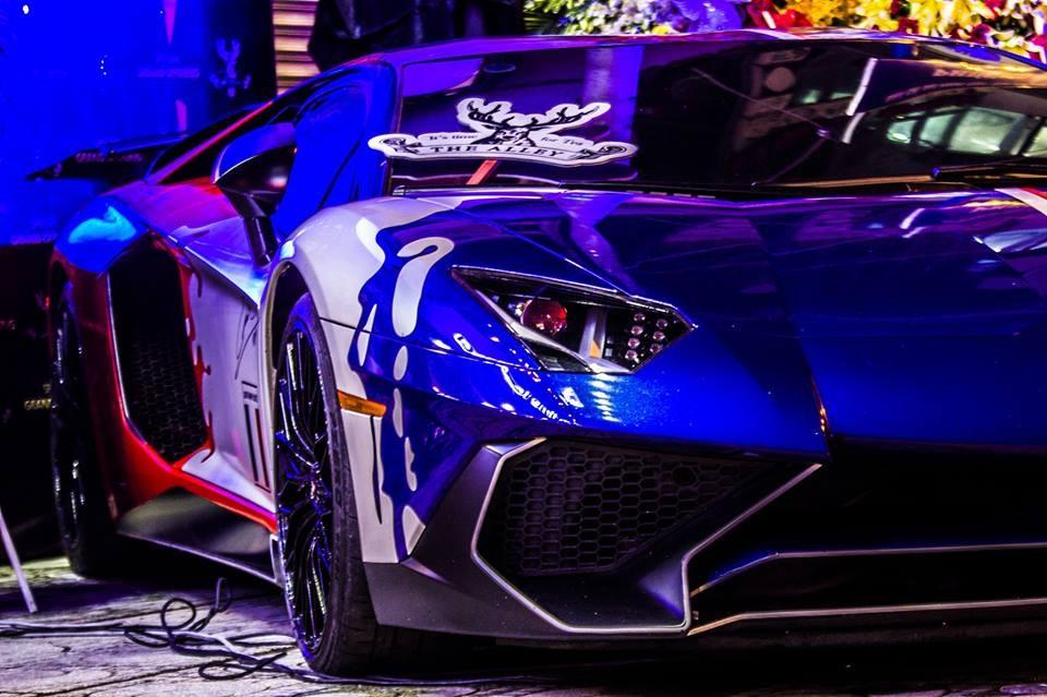 Lamborghini Aventador LP750-4 SV của Minh Nhựa chỉ có đúng 600 chiếc được sản xuất trên toàn thế giới