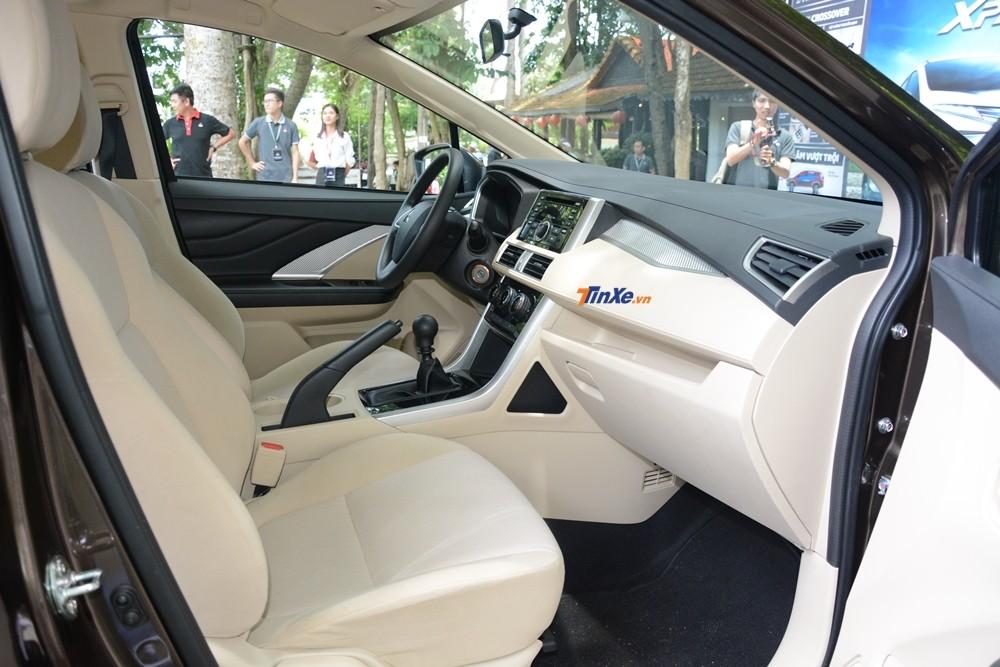 Phanh tay của Mitsubishi Xpander 2018 thiết kế quá to gây cảm giác nặng nề
