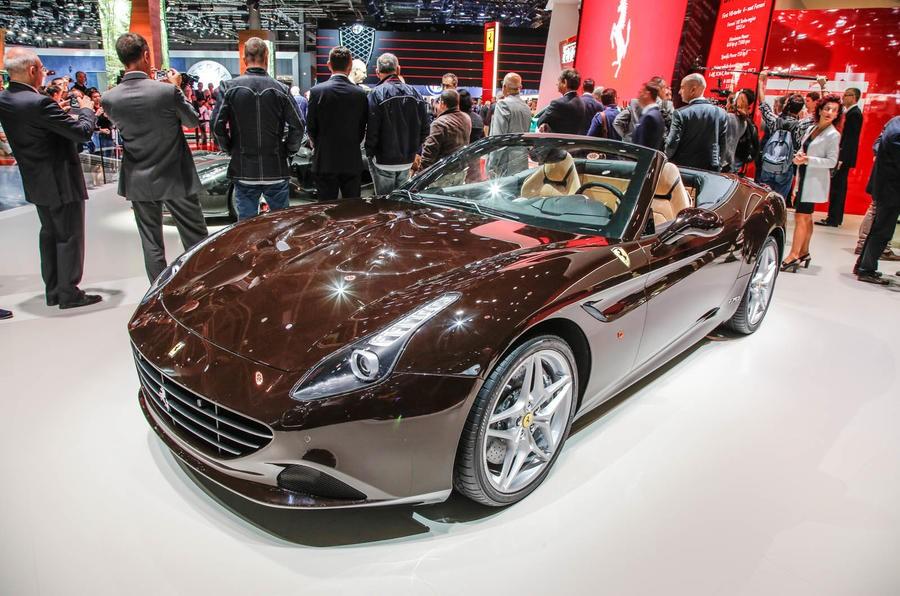 Đây là 1 trong 5 chiếc siêu xe đặc biệt hãng Ferrari đã trình làng tại triển lãm ô tô Paris diễn ra tại Pháp vào năm 2016