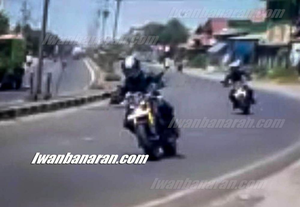 Hình ảnh hai chiếc naked bike được cho là Yamah TFX 150 hoàn toàn mới