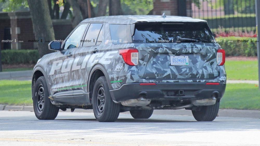 Thiết kế đuôi xe vuông vắn hơn của Ford Explorer 2020