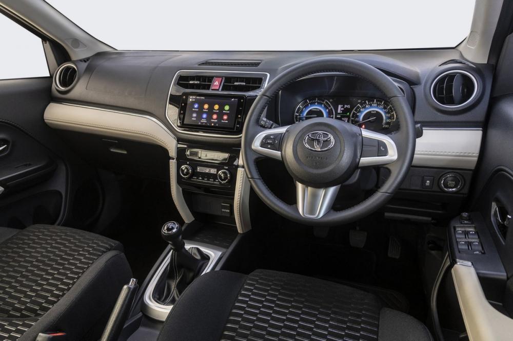 Nội thất của Toyota Rush 2018 phiên bản Nam Phi