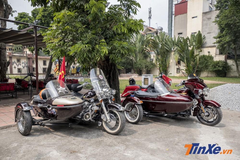 Hai chiếc xe Harley-Davidson mang phong cách sidecar rất ấn tượng.