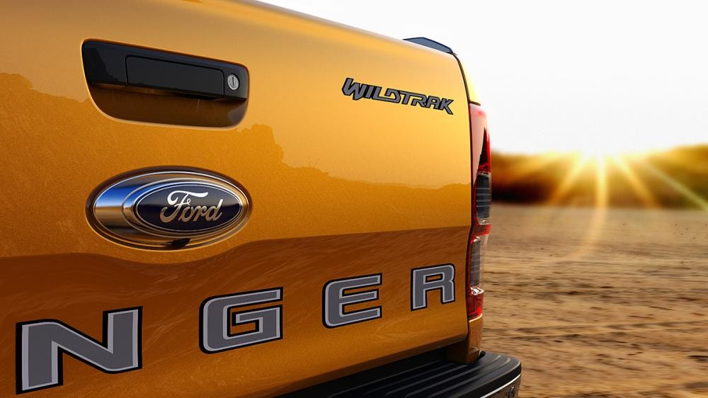 Ford Ranger Wildtrak màu Vàng Sabre