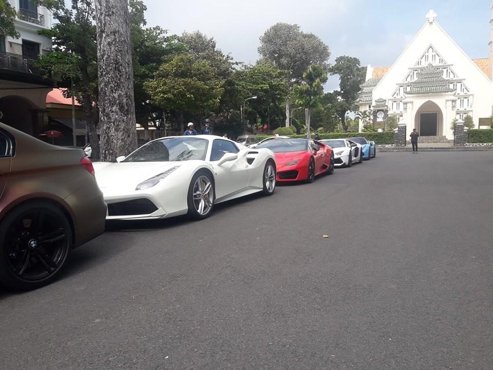 BMW M3, Ferrari 488 Spider, Lamborghini Huracan LP580-2 cùng cặp đôi siêu xe độ Lamborghini Aventador LP700-4 Vorsteiner và Ferrari 488 GTB SVR độc nhất Việt Nam