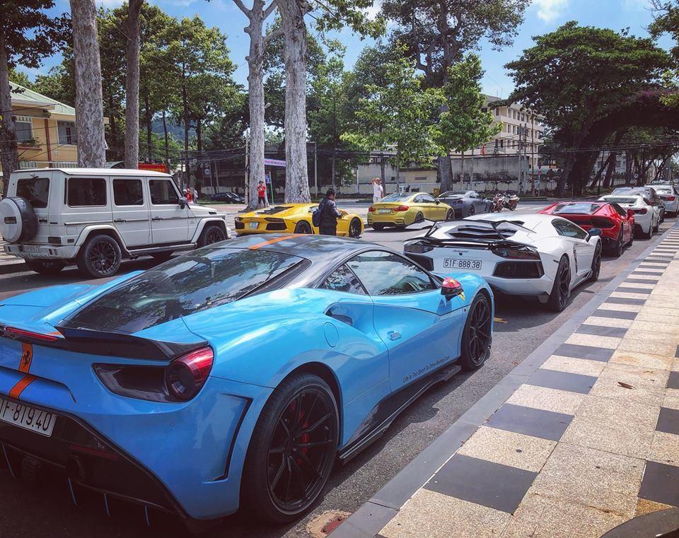 Dàn siêu xe khủng của những người mê xe tại Sài thành du hí Vũng Tàu vào cuối tuần