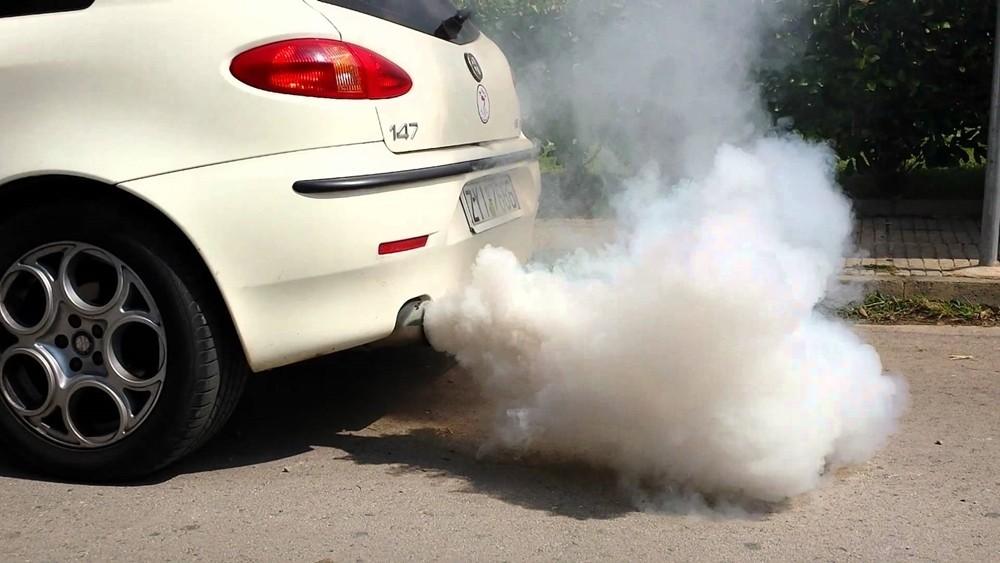 Nếu ô tô có những dấu hiệu này, bạn cần đem xe đi sửa chữa ngay cdfv