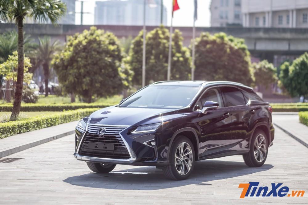 Lexus RX450h 2018 vừa về Việt Nam với giá 4,5 tỷ VNĐ.
