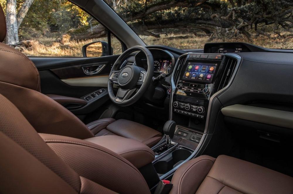 Khoang lái của Subaru Forester 2019 có trang bị nhiều công nghệ tiện ích hơn