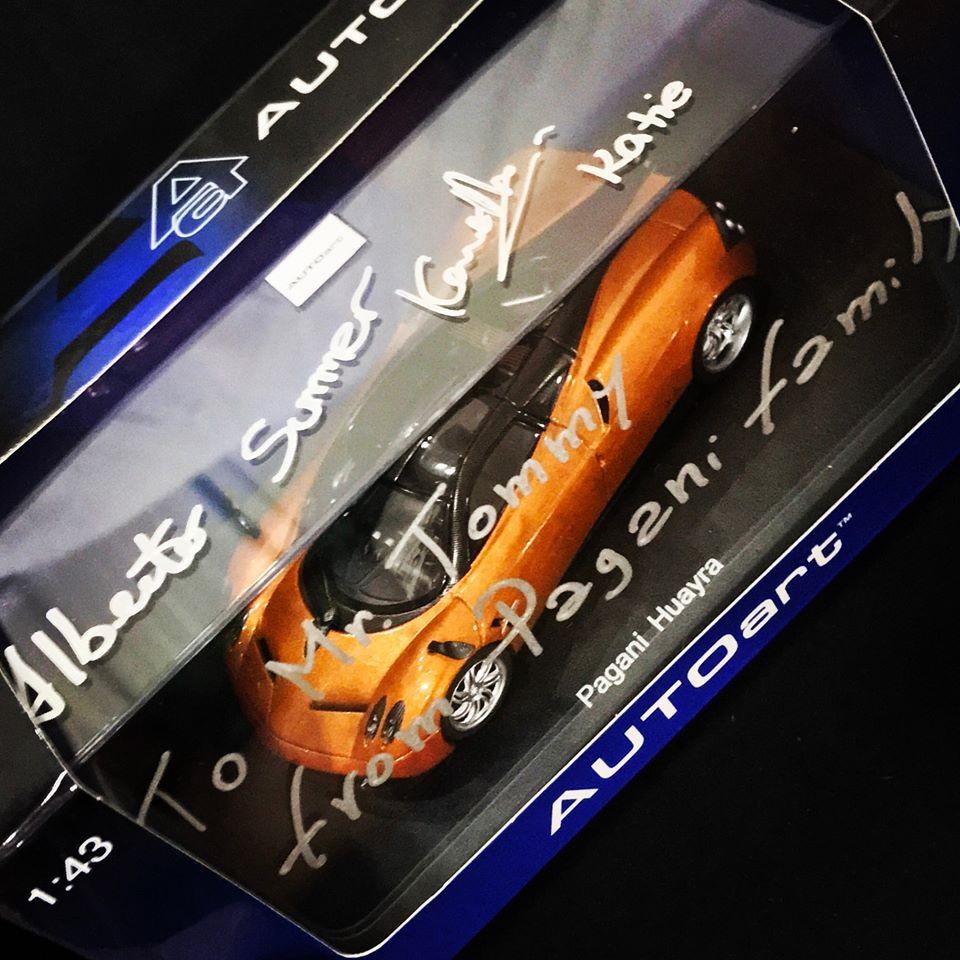 Mô hình 1:43 Pagani Huayra của Minh Nhựa do hãng Pagani trao tặng