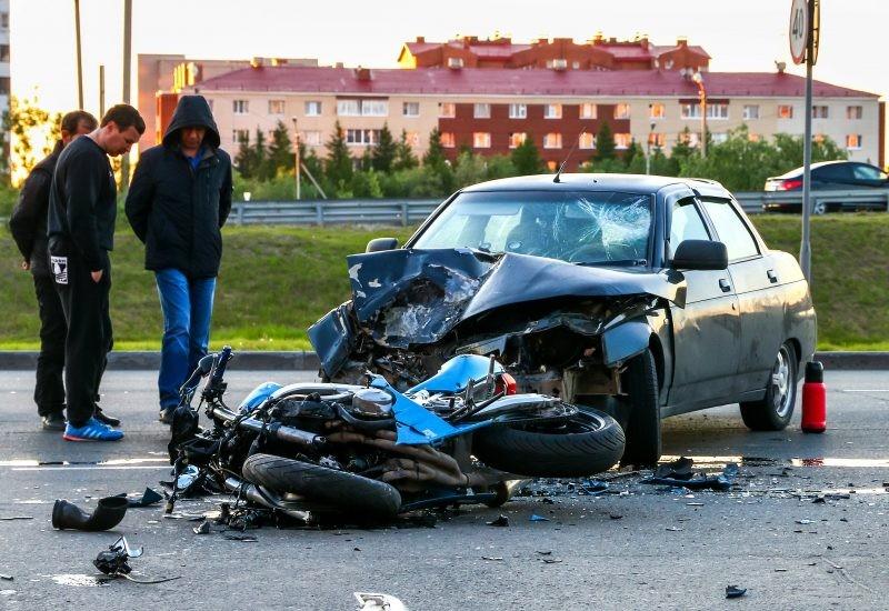 Những chiếc xe mô tô khi đạt tốc độ và gia tốc lớn rất dễ gây ra những tai nạn thảm khốc