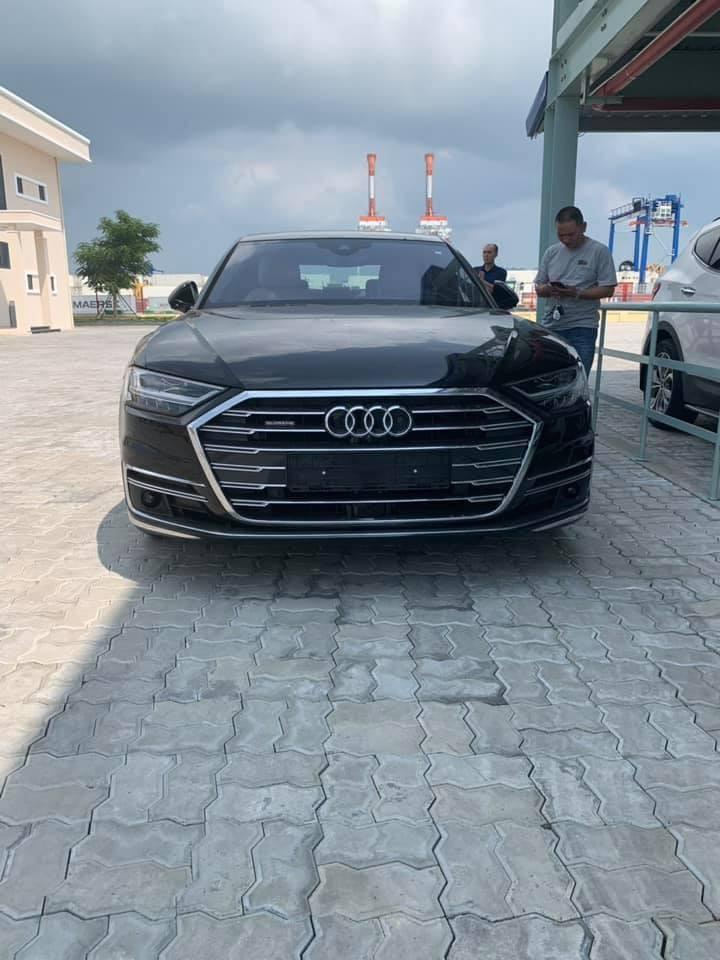 Chiếc Audi A8 2018 đầu tiên đặt chân đến Việt Nam