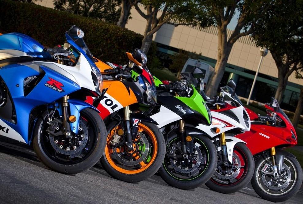 Những chiếc Sport bike hiện đại có thừa khả năng vượt qua con số 299km/h