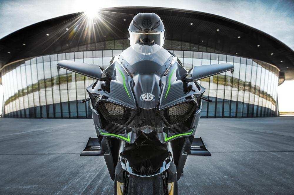 Sự xuất hiện của Kawasaki Ninja H2R chắc chắn sẽ tiếp tục cuộc chiến tốc độ giữa các hãng sản xuất xe máy